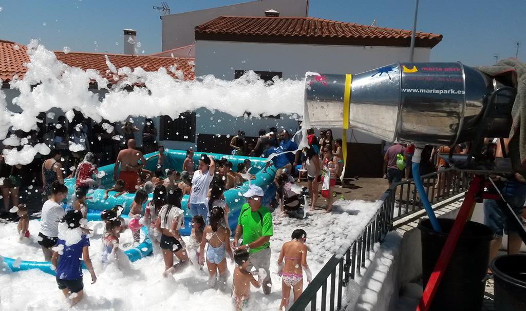 Fiesta la espuma con Piscina de Agua MARIAPARK
